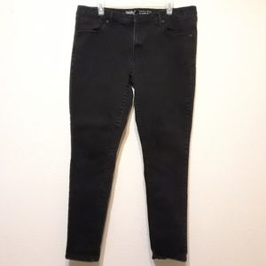 Mid-rise skinny jeans by Mossimo size 18R